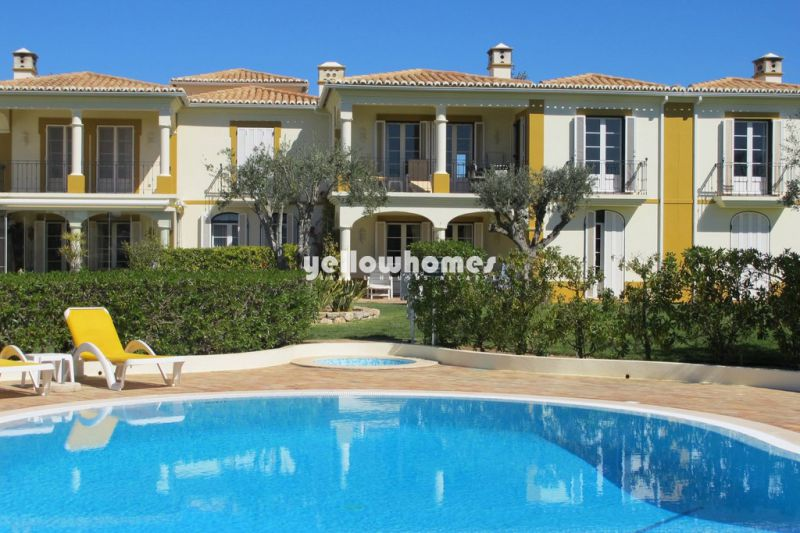 Spacious 2-bed apartment on Golf Resort near Carvoeiro